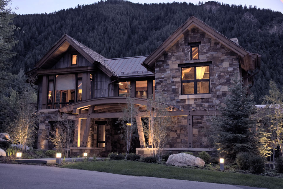 Crystal lake residence swiftsure timberworks for Mountain houses